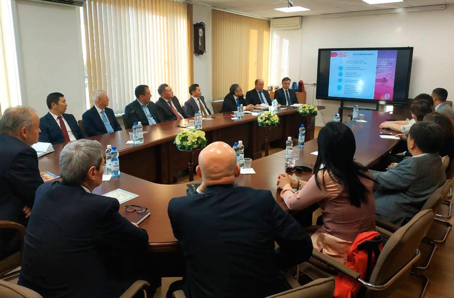Делегацию коллег из Казахстана приняли белорусские эксперты во главе с генеральным директором РУП «Главгосстройэкспертиза» Виктором ПЕТРУШЕЙ